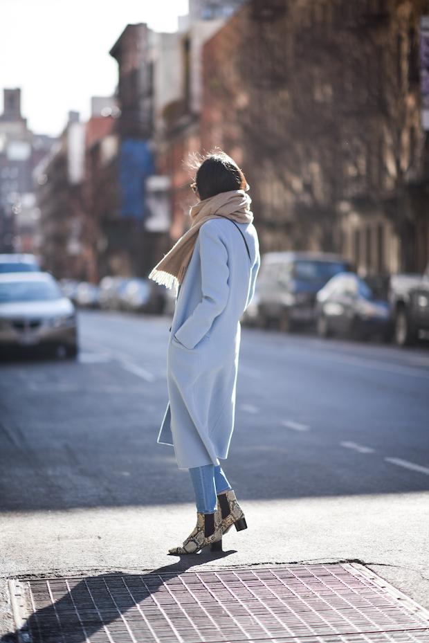 blue-coat-winter-outfit-ideas-3
