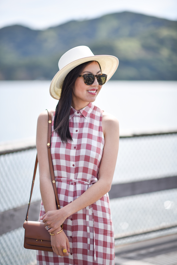 summer-hat-gingham-dress