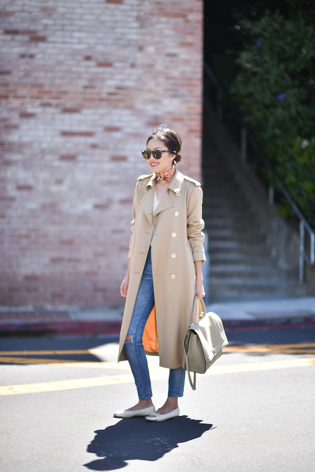 trench-coat-givenchy-tote