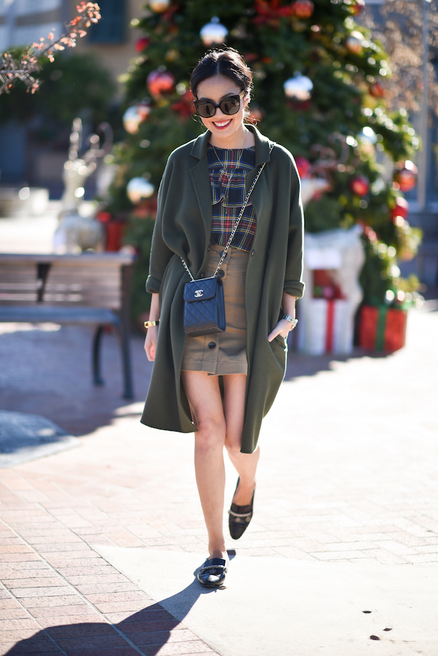 9to5chic-outfits-jcrew-holiday-ruffle-top-1