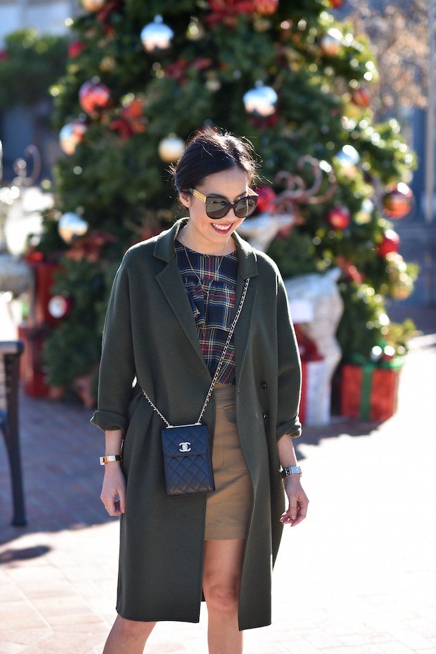 9to5chic-outfits-jcrew-holiday-ruffle-top-2