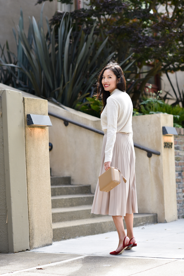 pleated-skirt-outfit-1
