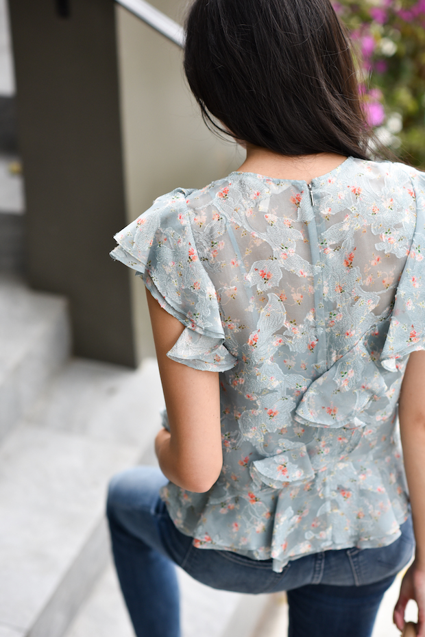 floral-ruffle-top-jeans-3