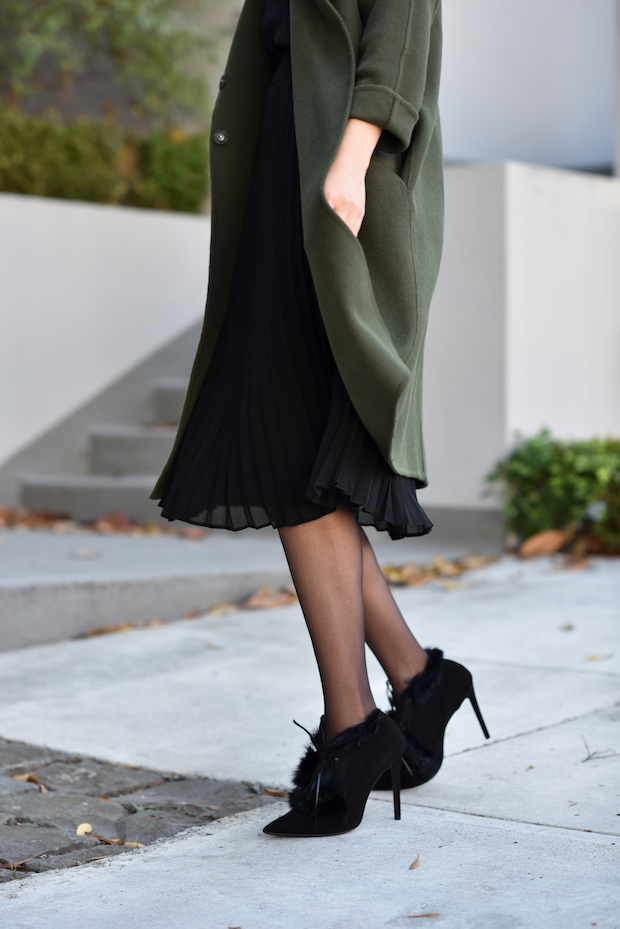 olive-and-black-1