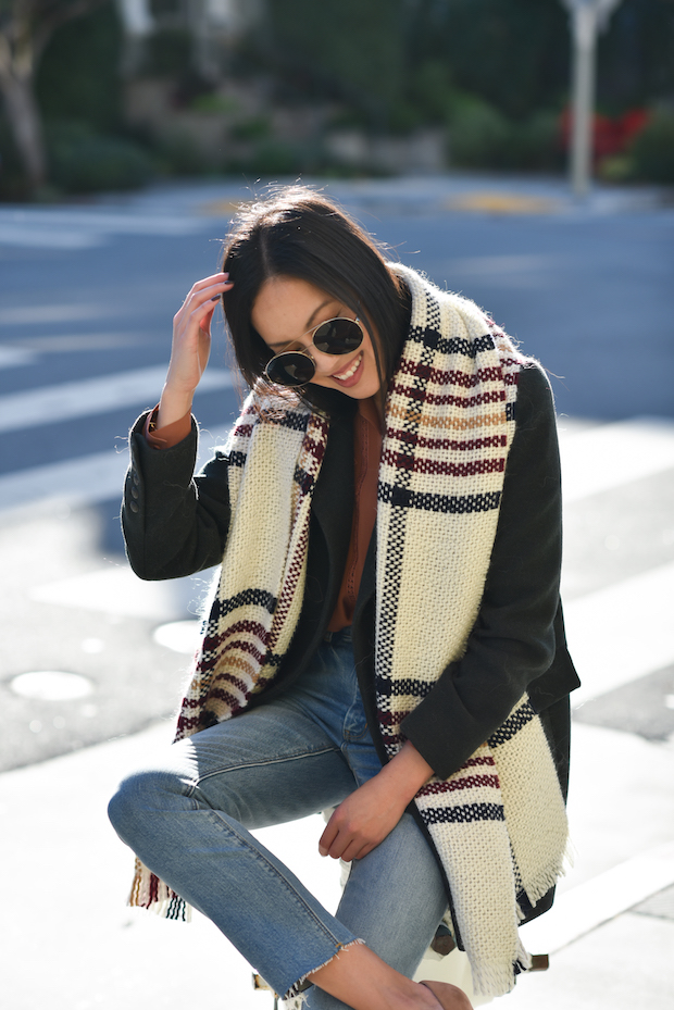 sezane-coat-scarf-2